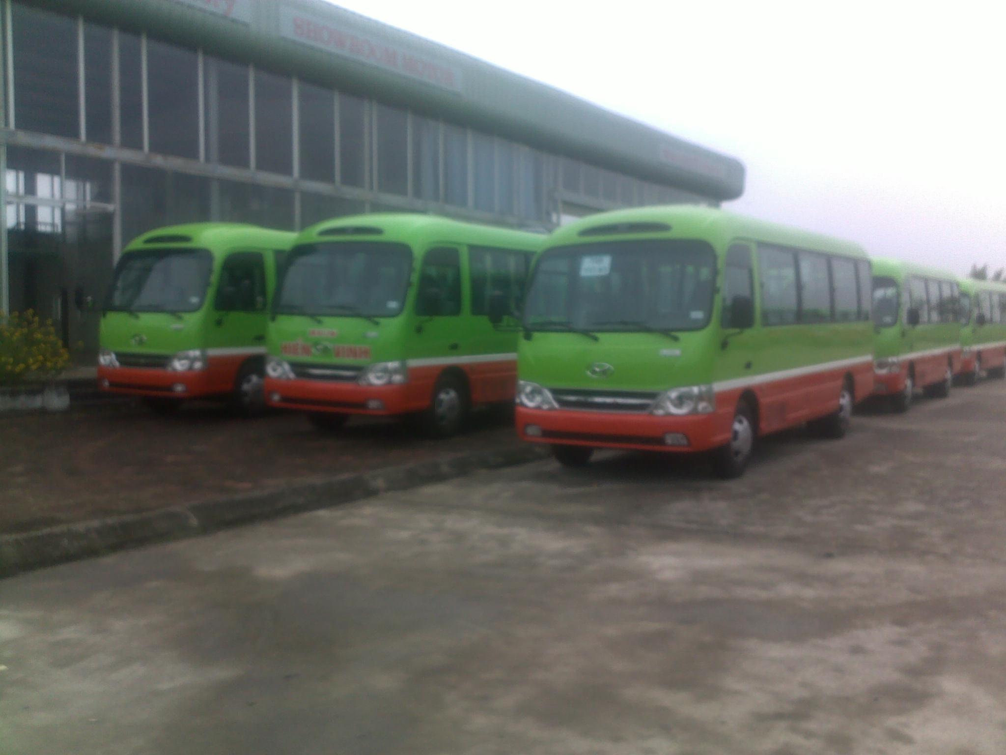hmt-bus-b40-ngo-gia-tu-huyndai-than-dai-1