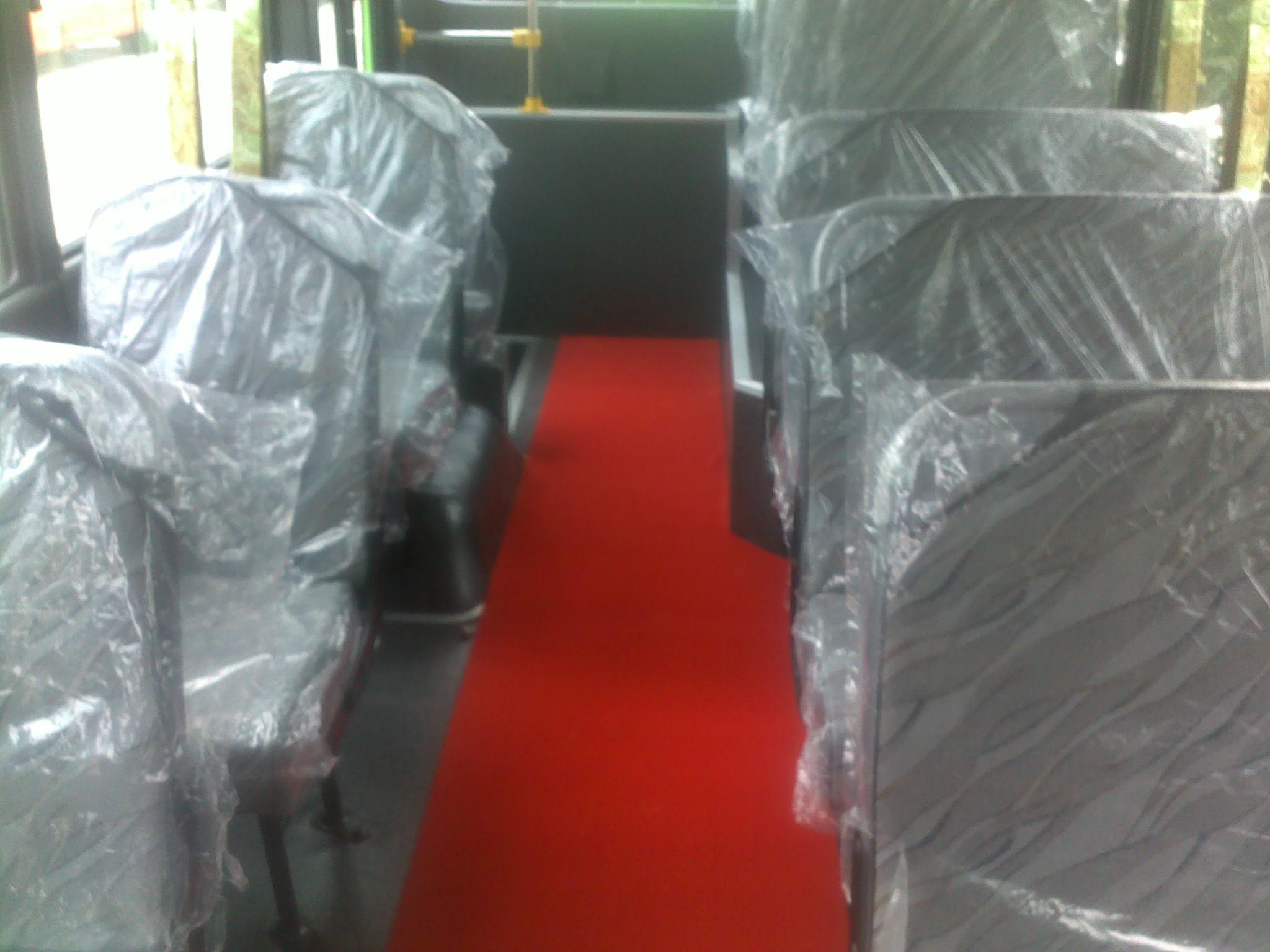 hmt-bus-b40-ngo-gia-tu-huyndai-than-dai-3