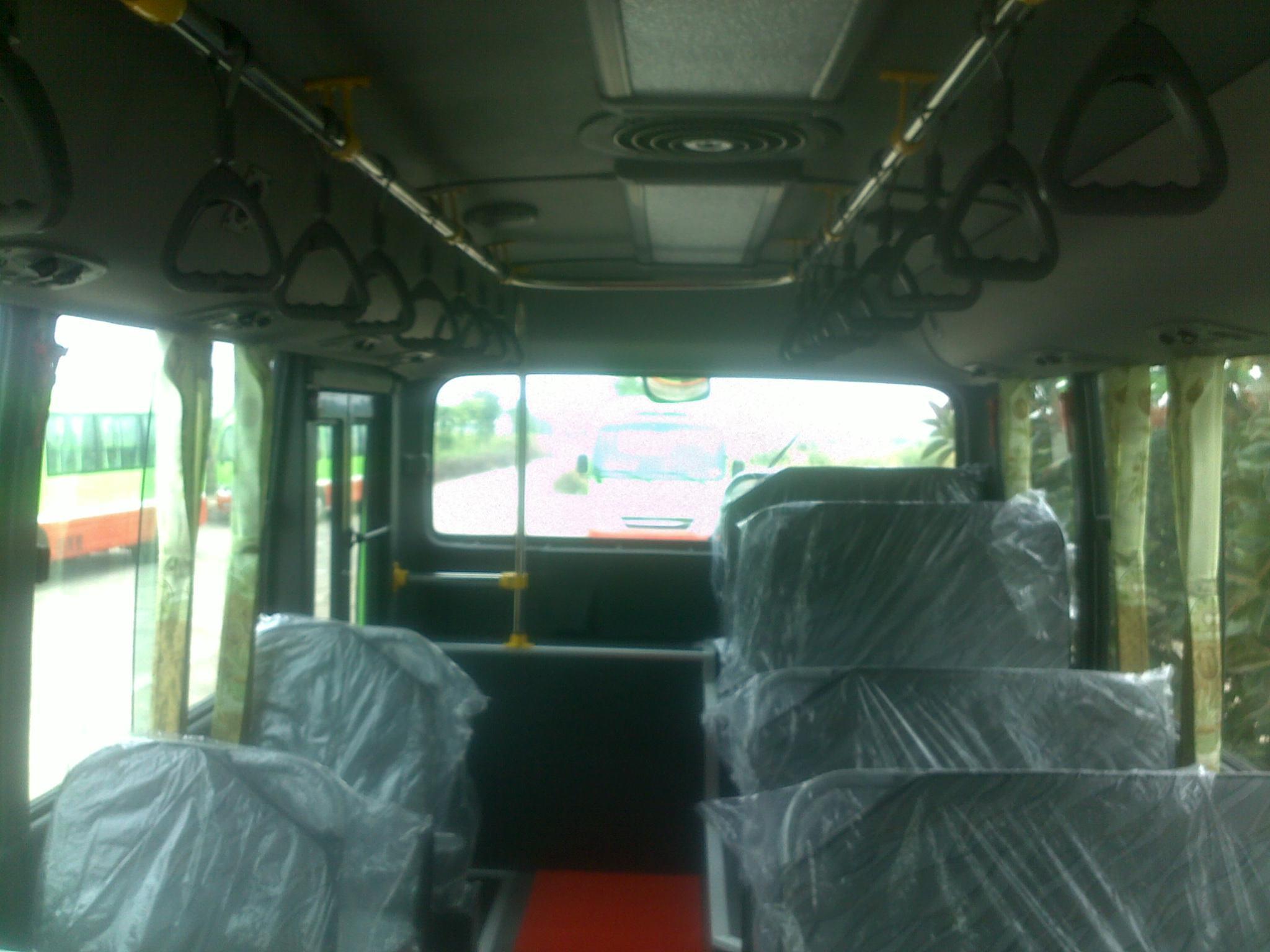hmt-bus-b40-ngo-gia-tu-huyndai-than-dai-4