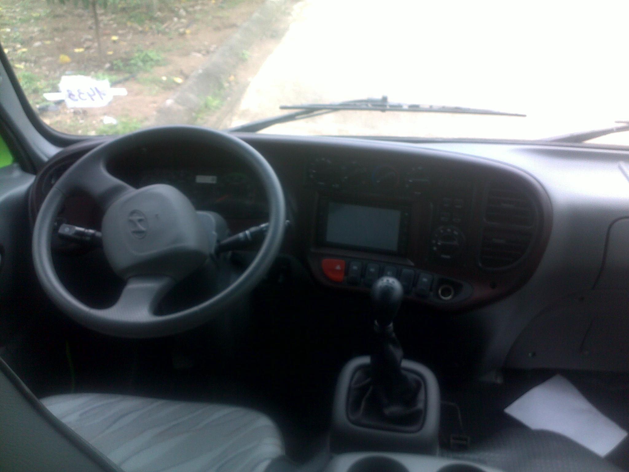 hmt-bus-b40-ngo-gia-tu-huyndai-than-dai-5