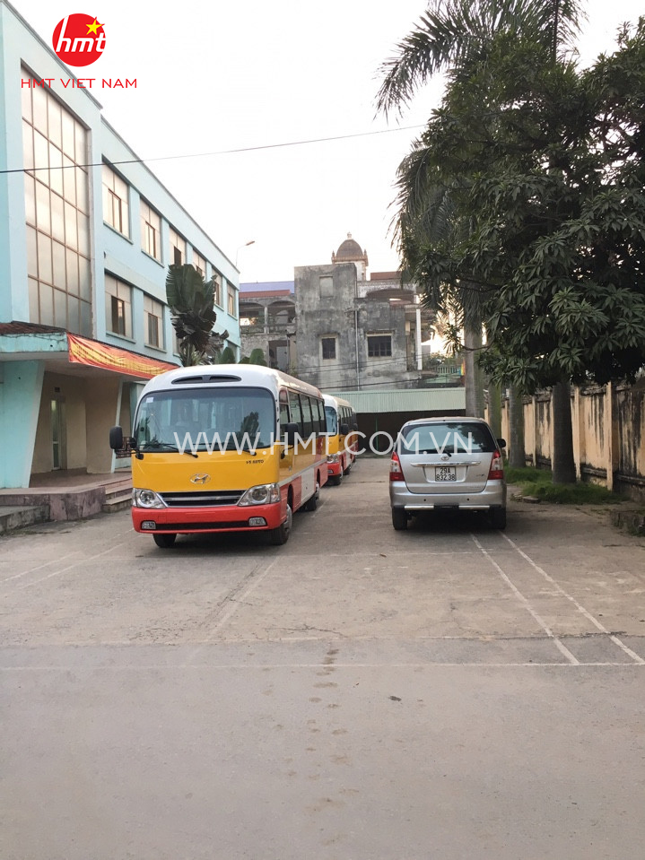 hmt-xe-bus-b40-15-1