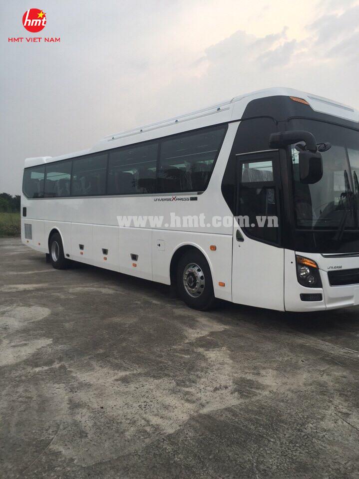 HMT- Xe khách 47 ghế ngồi động cơ Doosan (Model 2017)