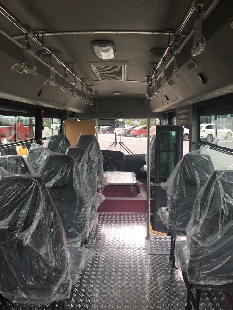 xe-bus-15-hd-b40-kieu-dang-new-city-1
