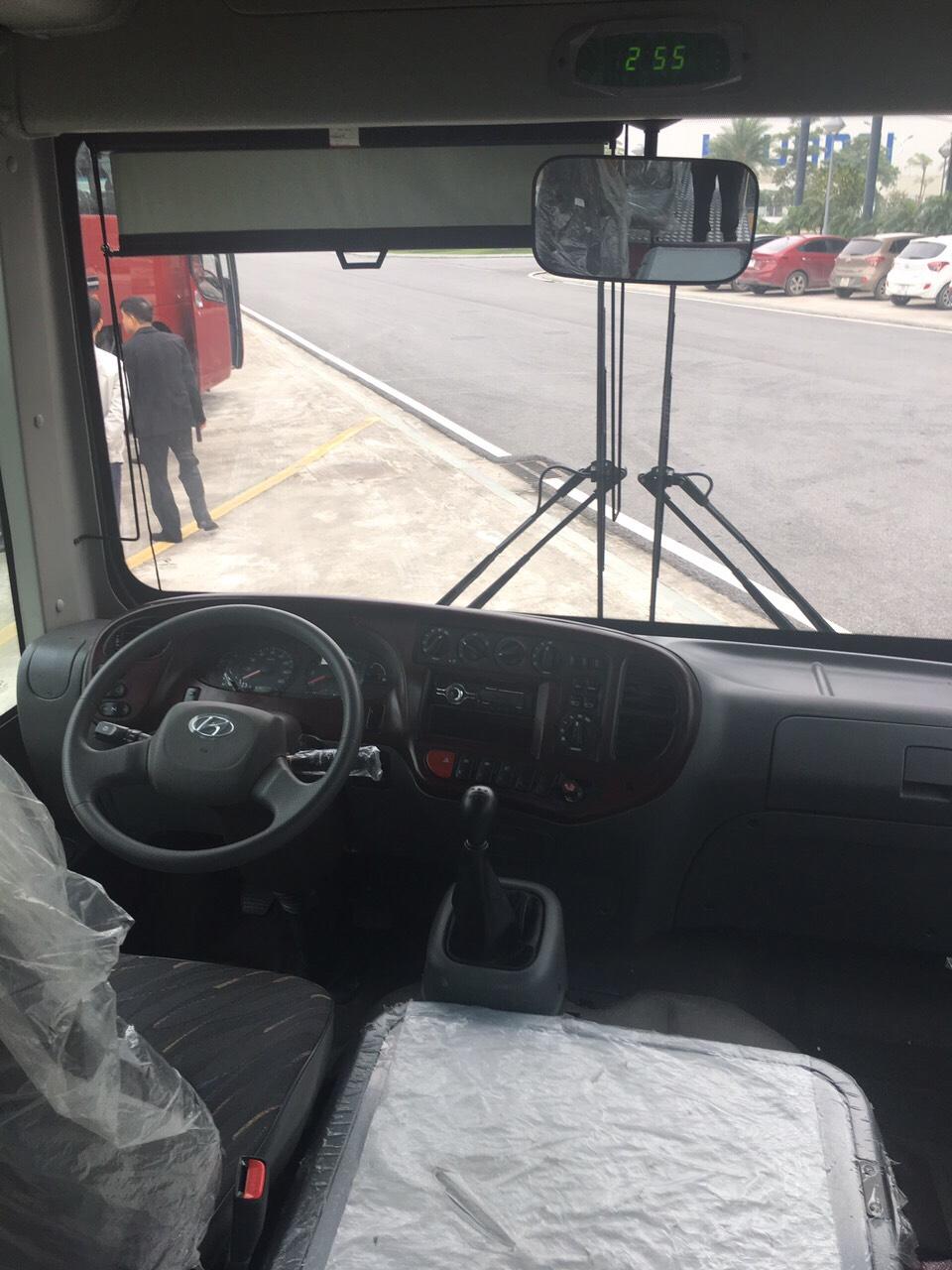xe-bus-15-hd-b40-kieu-dang-new-city-3