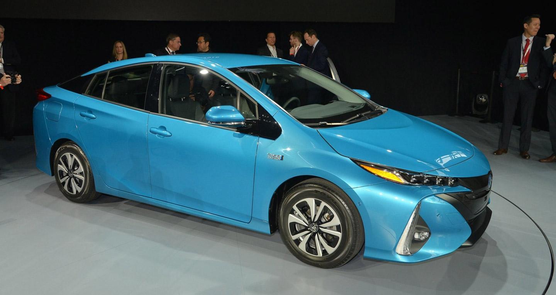 Toyota bán hơn 9 triệu xe hybrid trên toàn cầu